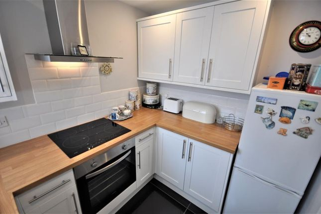 Thumbnail Flat for sale in Rough Lea Road, Cleveleys, Thornton Cleveleys, Lancashire
