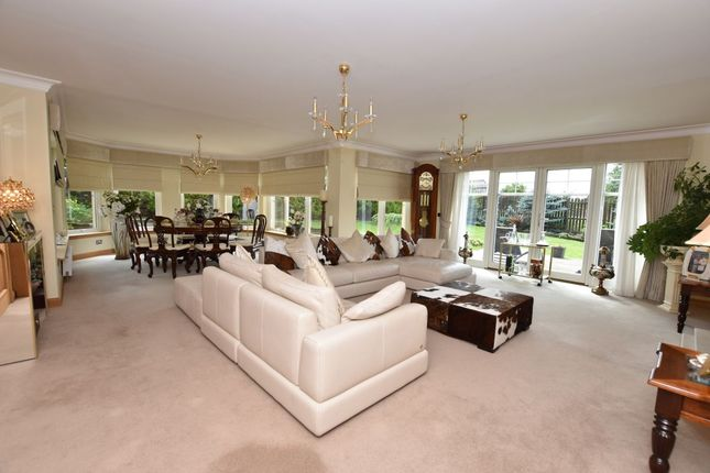 5 Bed Detached House For Sale In Countess Gate Bothwell