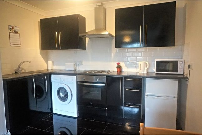 Thumbnail Flat for sale in St. Lukes Court, Willerby Hull