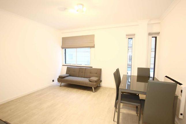 1 bed flat to rent in Upper Thames Street, London EC4V
