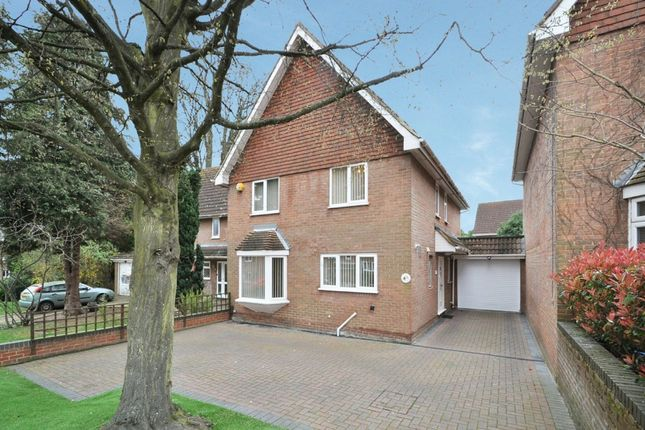 Thumbnail Link-detached house for sale in Newing Green, Bromley