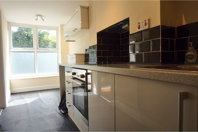 Thumbnail Flat to rent in Hollywood Road, Bristol