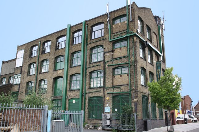 Thumbnail Warehouse to let in Wallis Road, Hackney Wick