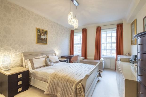 Master Bedroom of Lanchester Court, Seymour Street, London W2