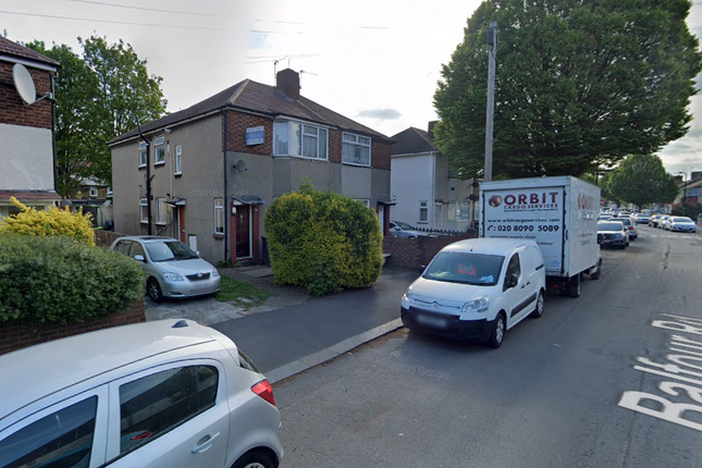 Thumbnail Flat to rent in Balfour Road, Southall