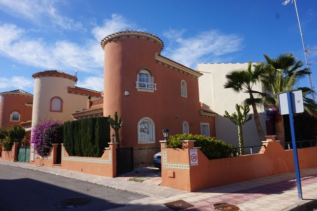 3 bed chalet for sale in Orihuela Costa, Orihuela Costa, Alicante, Valencia, Spain