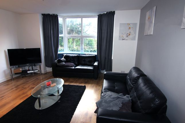 Thumbnail Property to rent in St. Michaels Lane, Leeds