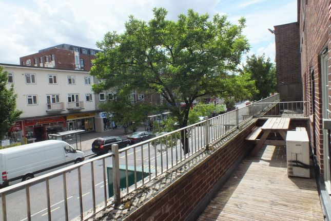 Thumbnail Flat to rent in William Court, City Centre, Exeter, Devon