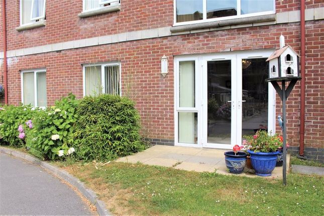 Thumbnail Flat for sale in Clyne Common, Swansea
