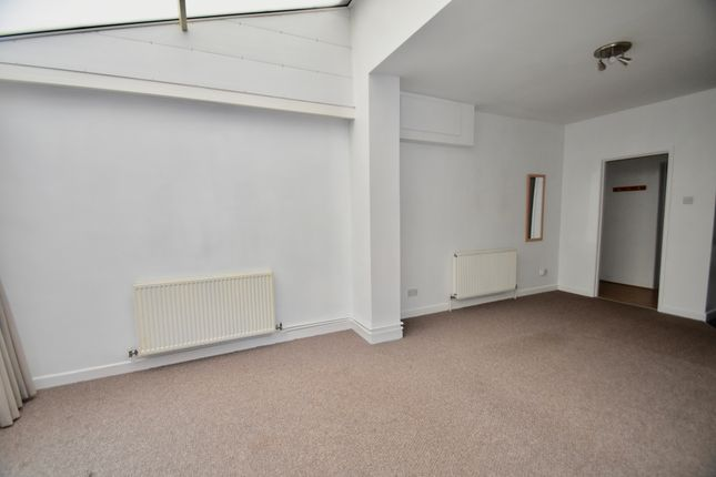 Living Room/Conservatory