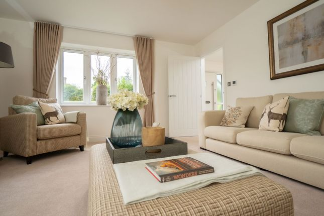 Thumbnail Detached house for sale in London Road, Shipston-On-Stour