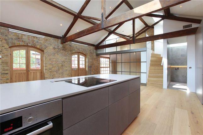Thumbnail Flat to rent in Mandeville Courtyard, 142 Battersea Park Road, Battersea, London