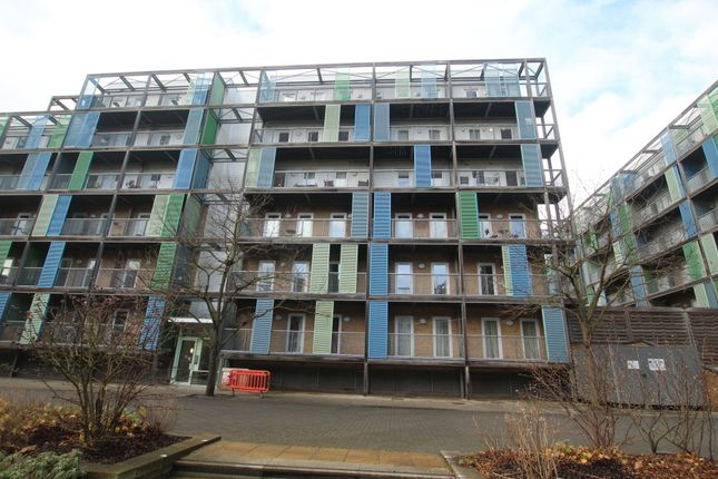 Thumbnail Flat for sale in Warren Close, Cambridge
