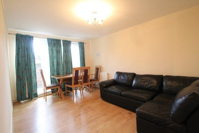 Flat to rent in Bolton Walk, Finsbury Park