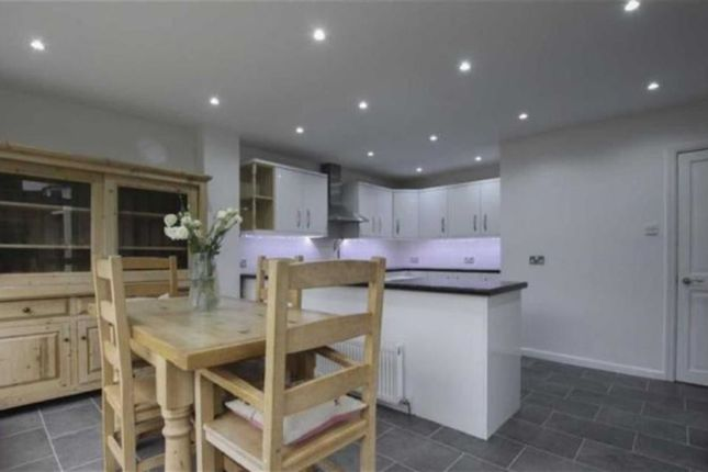 Thumbnail Semi-detached house to rent in Hermitage Road, Abingdon, Oxfordshire