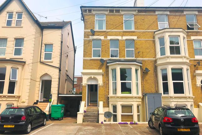 Thumbnail Flat to rent in Salisbury Road, Southsea