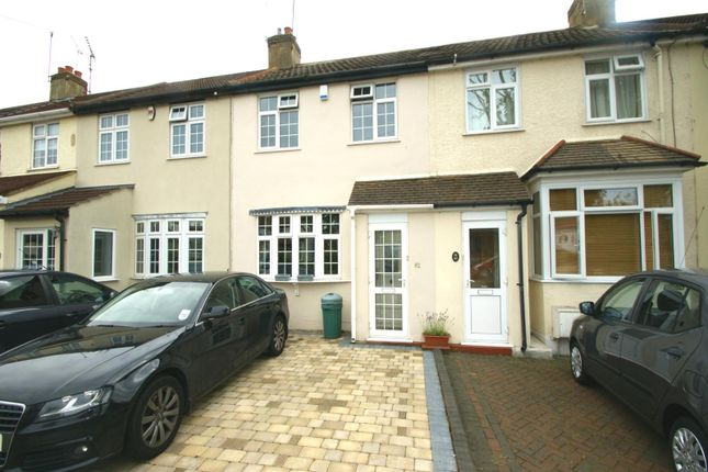 3 bed detached house to rent in Northumberland Avenue, Hornchurch RM11