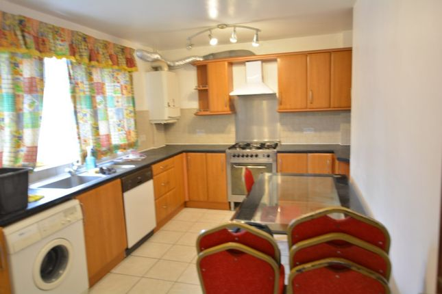 Thumbnail Terraced house to rent in Melfield Gardens, London