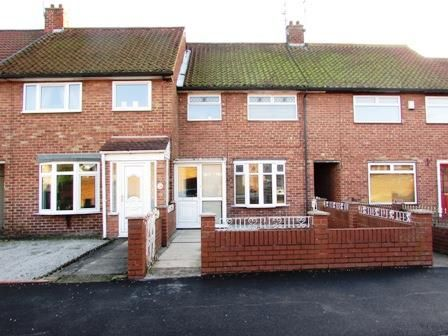 Thumbnail Terraced house for sale in Saltash Road, Hull