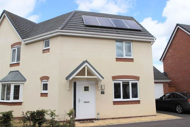 Thumbnail Semi-detached house for sale in Canners Way, Stratford-Upon-Avon