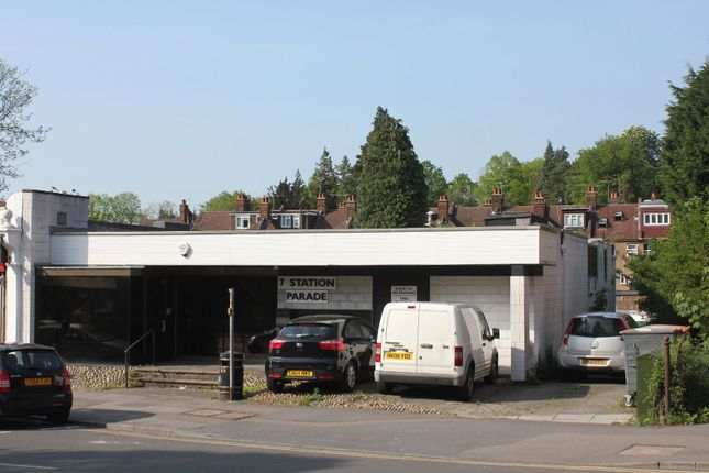 Retail premises to let in Station Parade, Sevenoaks, Kent