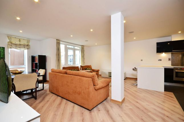 Thumbnail Flat to rent in Martyr Road, Guildford
