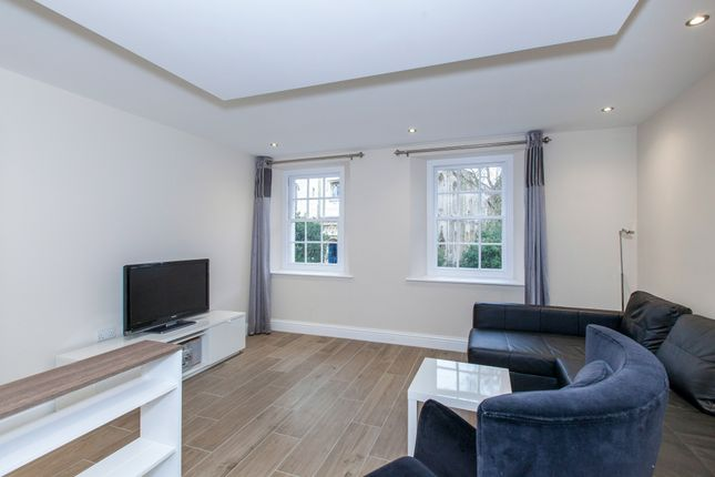 Thumbnail Flat to rent in High Street, Windsor