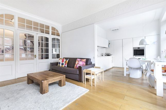 Thumbnail Flat to rent in Russell Square Mansions, 122 Southampton Row, London
