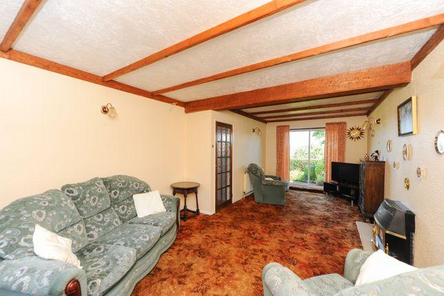 Lounge of Longedge Lane, Wingerworth, Chesterfield S42