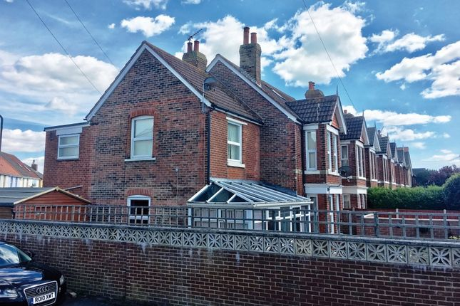 Thumbnail Flat for sale in Cambridge Road, Lee-On-The-Solent, Hampshire