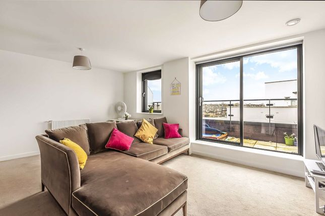 Flat for sale in Osiers Road, London