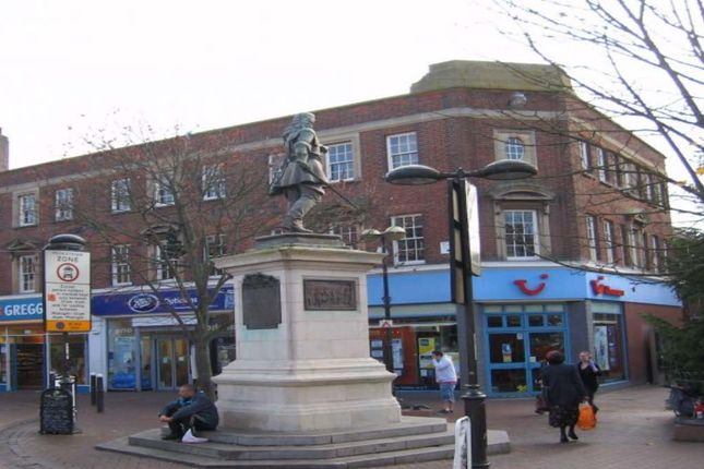 Office to let in Market Square, Aylesbury