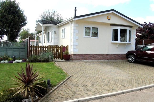 Thumbnail Mobile/park home for sale in Clanna Country Park, Alvington, Lydney