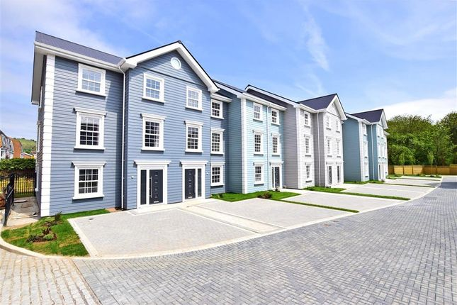 Thumbnail Town house for sale in Radnor Park Avenue, Folkestone, Kent