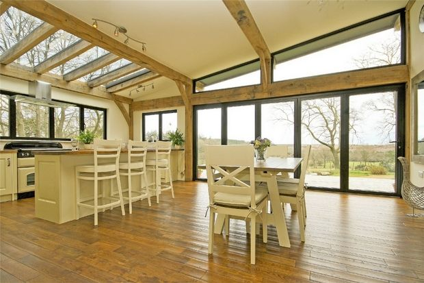 3 bed detached bungalow for sale in Woodgreen, New Forest, Hampshire