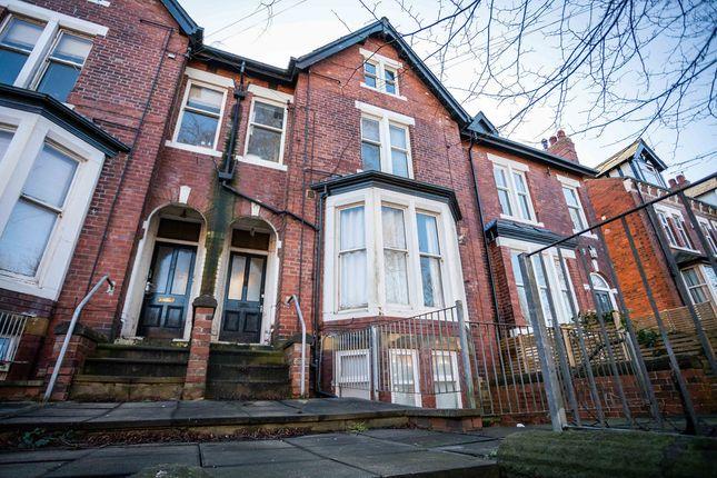 Thumbnail Flat for sale in Oakwood Avenue, Oakwood, Leeds