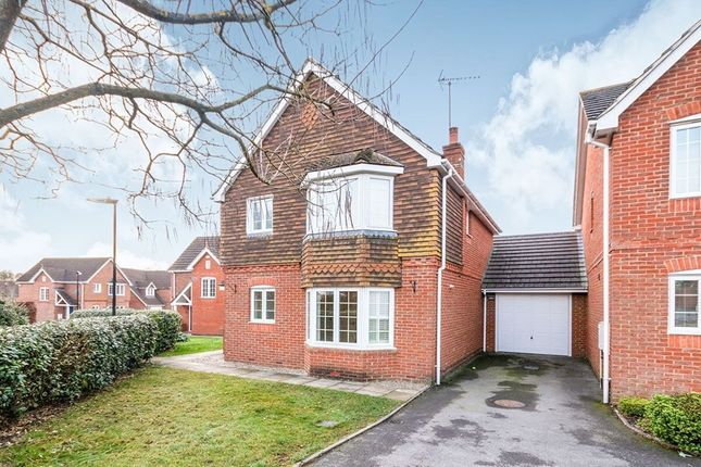 3 bed detached house to rent in Balsan Close, Basingstoke RG24