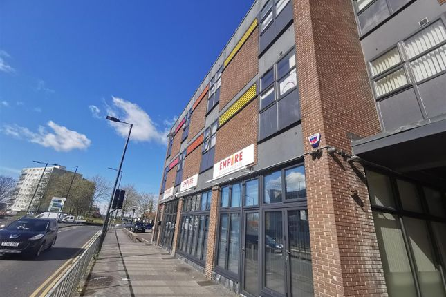 1 bed flat to rent in Westminster Buildings, High Street, Doncaster DN1