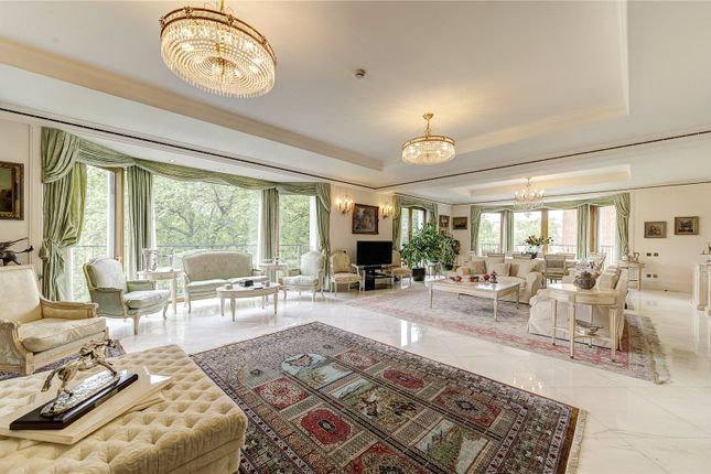 Thumbnail Flat for sale in Park Lane, Mayfair, London