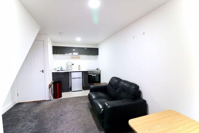 Livingroom of Hill Top Road, Paddock, Huddersfield HD1