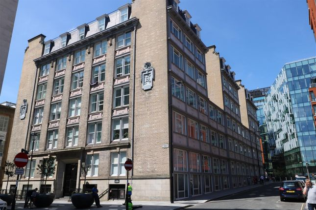 Flat to rent in Edmund Street, Liverpool