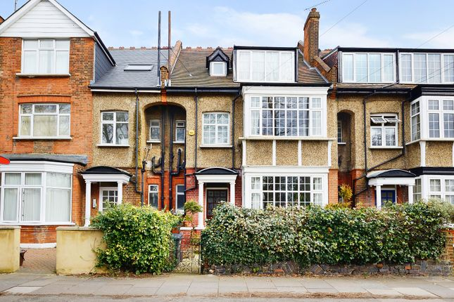 Flat to rent in East End Road, East Finchley