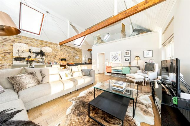 Thumbnail Flat for sale in Anchor Mews, London