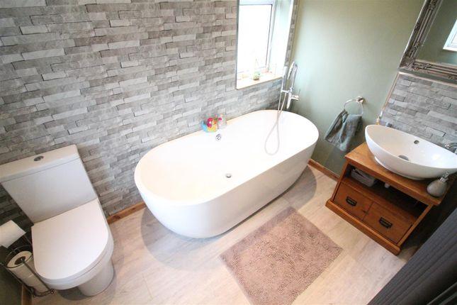 Bathroom of Dawnay Road, Bilton, Hull HU11