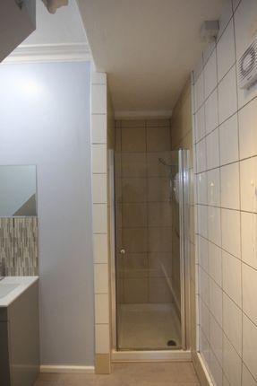 Bathroom of Grovelands Road, Reading RG30