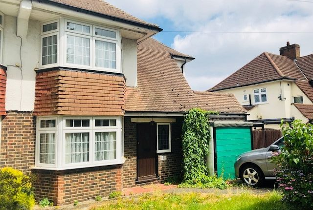 Thumbnail Semi-detached house to rent in Shirley Way, Croydon