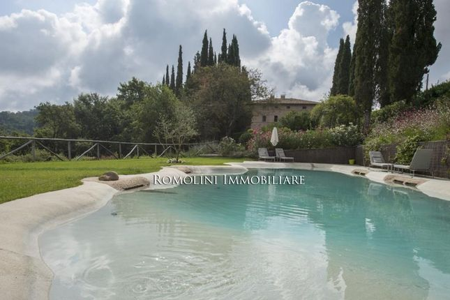 11 bed villa for sale in Siena, Tuscany, Italy