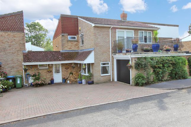 Thumbnail Semi-detached house for sale in Thatchers Croft, Hemel Hempstead, Hertfordshire