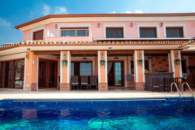 Thumbnail Villa for sale in Benalmadena, Malaga, Benalmádena, Málaga, Andalusia, Spain
