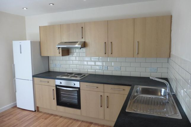 Thumbnail Flat to rent in Corn Street, Witney, Oxon